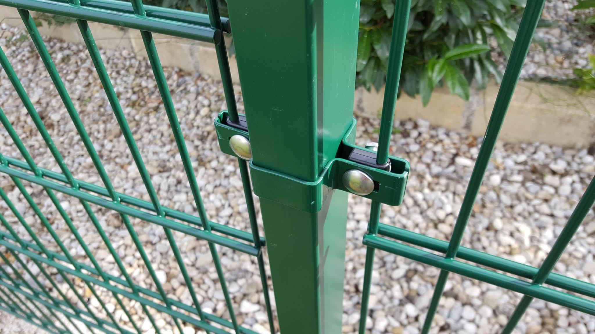 Gitterzäune sind eine moderne und solide Geländeabsicherung