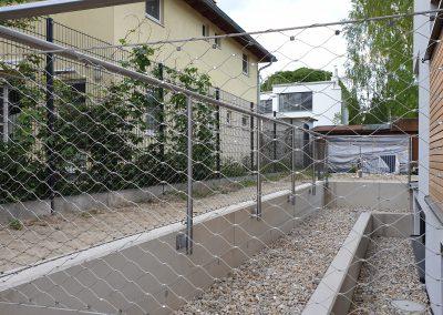 Geländer mit Netz